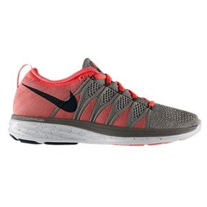 Shoes - Nike Flyknit Lunar 2